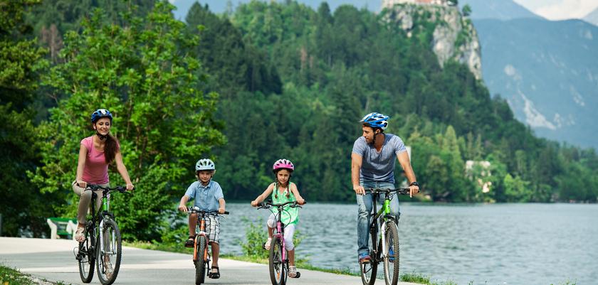 Family cycling Bled_SHB_Foto DD_07 15.jpg